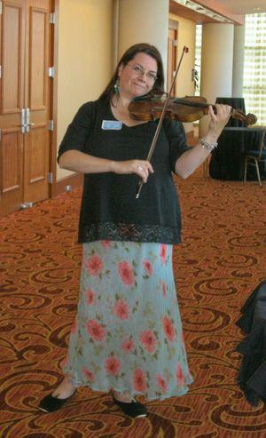Lilli_and_violin