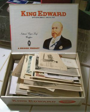 Pictures_in_cigar_box_2