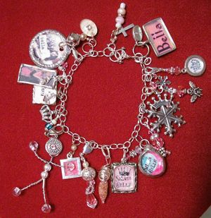 Silver_bella_charm_bracelet1